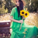 Sunflowers, Sunshine and a Relaxed 1970's Vintage Fashion Vibe…