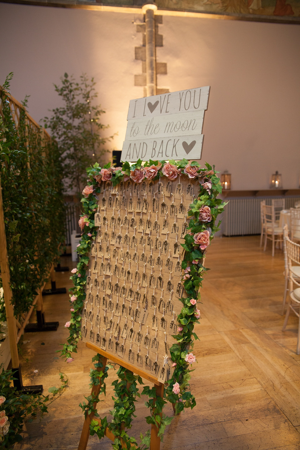 Fabulous An Amanda Wakeley Gown For An Elegant Summer Garden Themed Ibusinesslaw Wood Chair Design Ideas Ibusinesslaworg