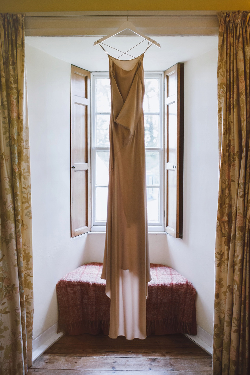 f42c536e9a10 wpid richard nicoll wedding dress and jumper christopher currie photography  - A Richard Nicoll Dress and ...