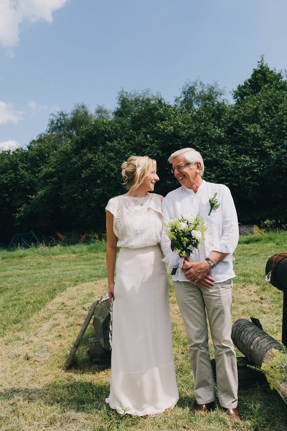 f8ccce4e805 wpid summmer solstice wedding in a field - Bridal Separates and Tipis for a  Relaxed Summer