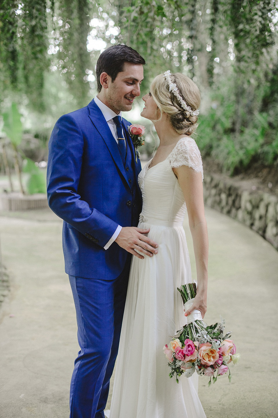 c4d2812281 wpid suzanne neville party wedding portugal - A Suzanne Neville Gown and  Pretty
