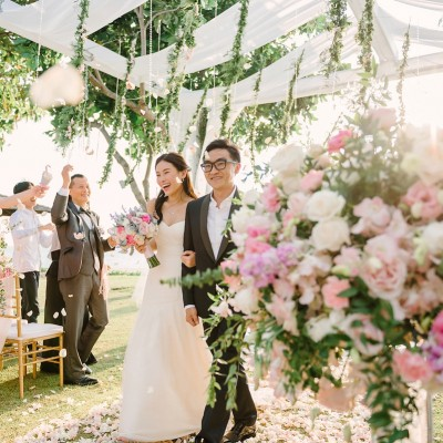 A Jenny Yoo Gown for a Romantic and Elegant Wedding In Thailand