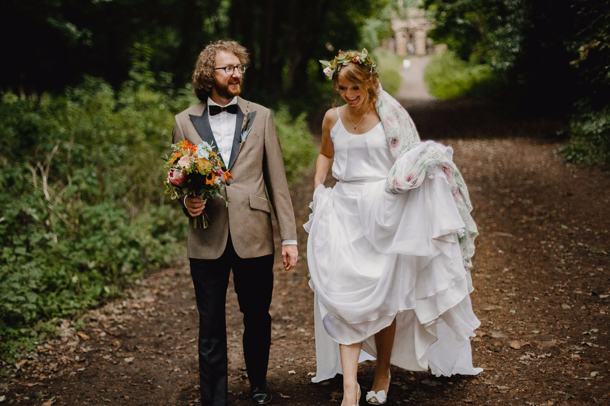 17cb8eda49c quirky glamorous bristol country house wedding - A Quirky