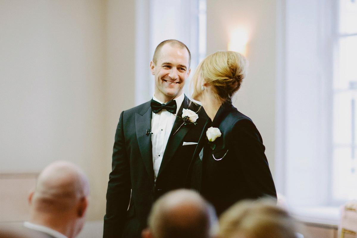 "4224b94f8212 ... wpid suzanne neville black tie winter wedding london - A Long-Sleeved  Suzanne Neville Gown. """