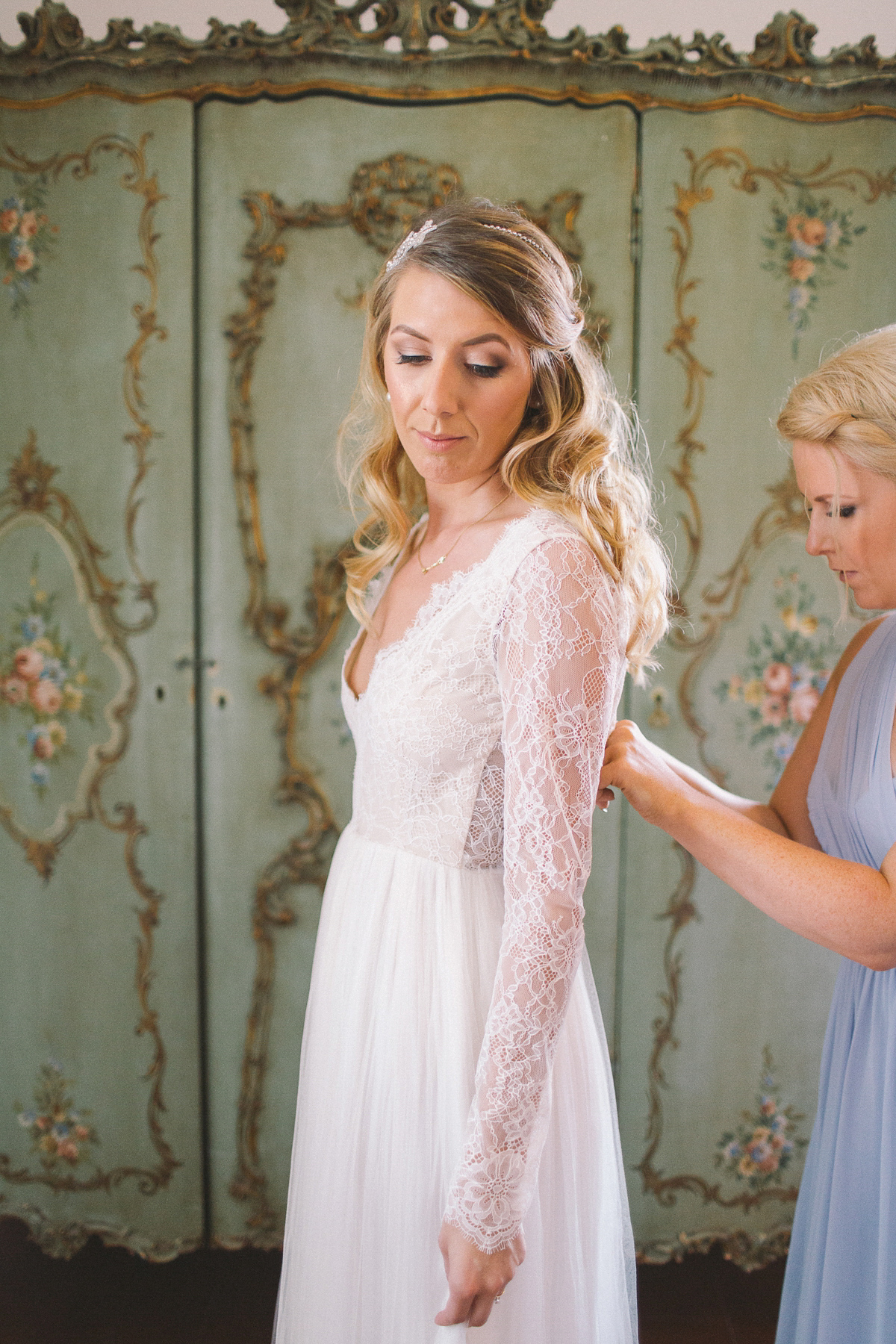 d801b1188dd9 ... fine art elegant boho romantic italy wedding - A Long Sleeved Lace  Dress for a Relaxed ...