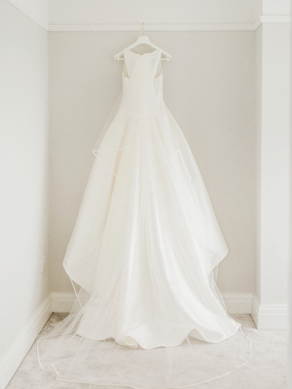 Audrey Hepburn Inspired Pronovias Elegance For A Classy And Modern