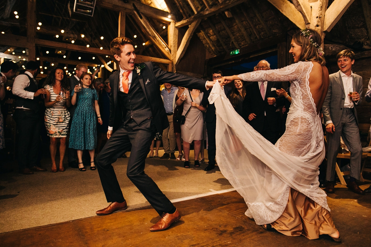 79b806d95f ... grace loves lace bride barn wedding - Grace Loves Lace for A First Look  Hampshire Barn ...