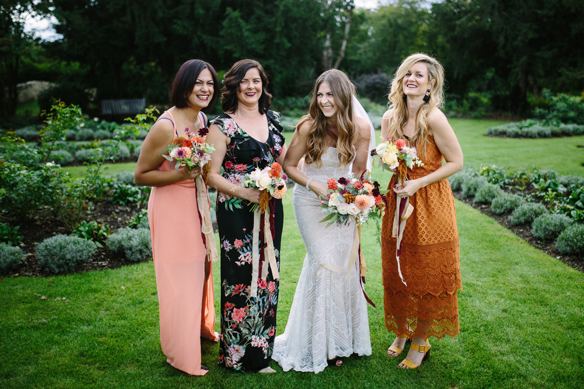 Cheap Wedding Photography Tips: Tips & Advice From Olliver