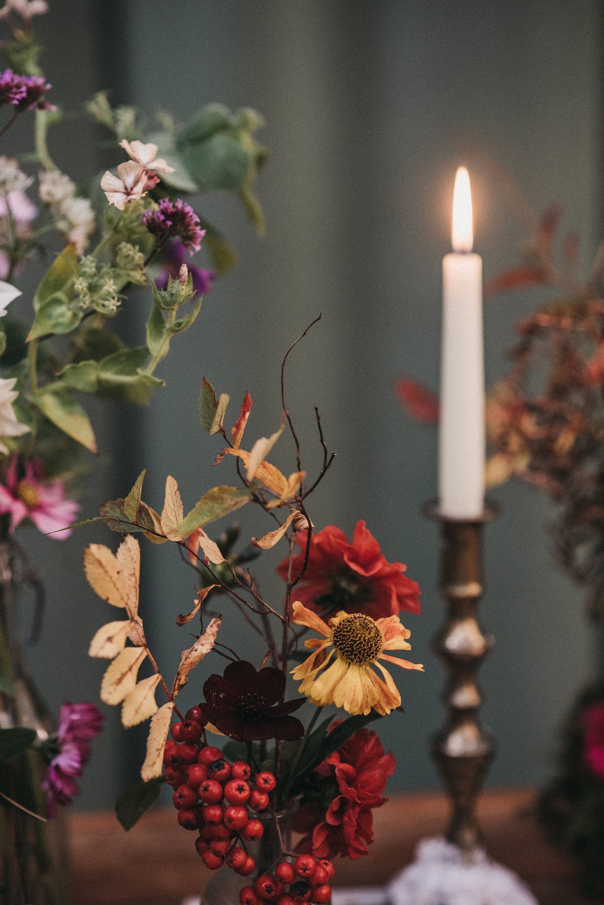 Seasonal Natural And Authentic Autumn Wedding Flowers And