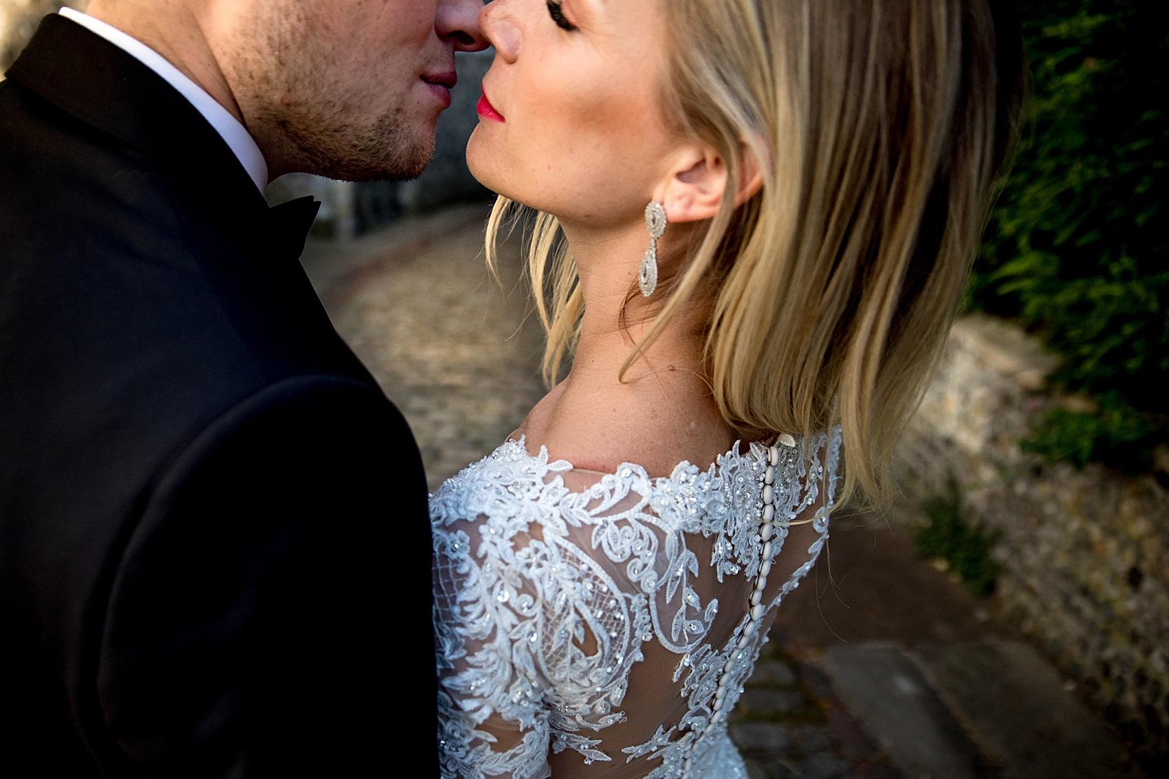 Amanda Redman Richards Things a justin alexander bride + her glamorous, jewel-toned, black