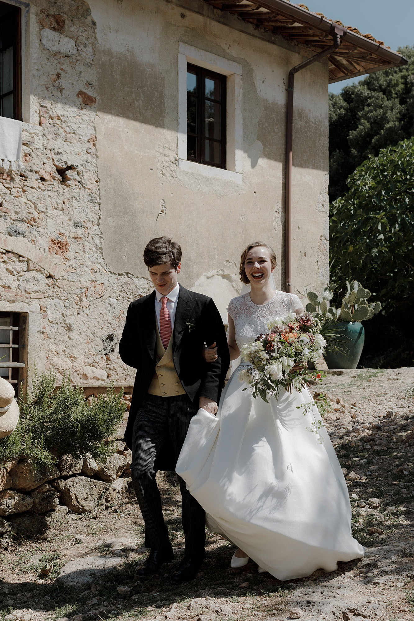 An Old Glamour Nature Inspired Wedding In Italy With A