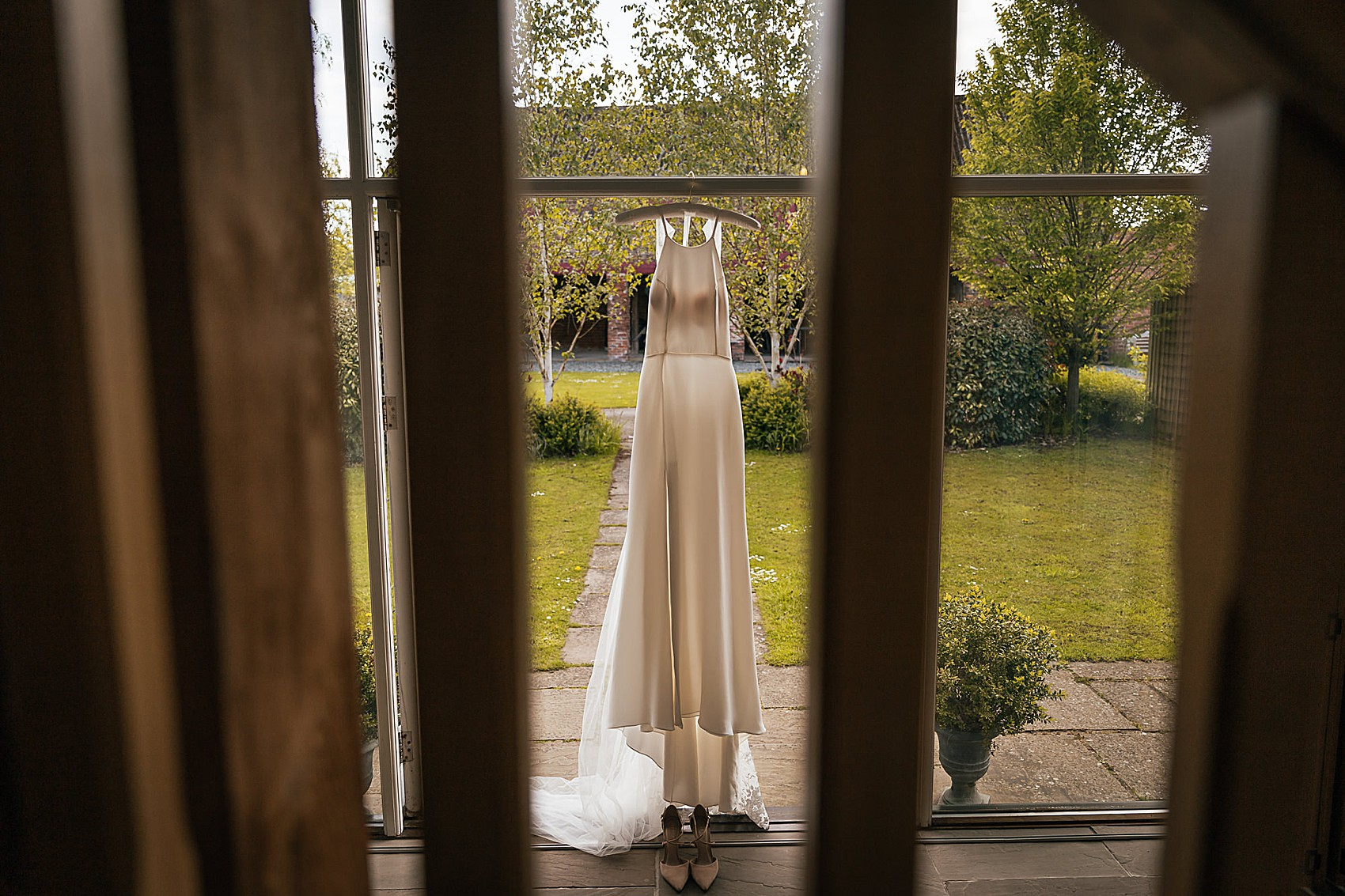 A Cool Modern Emma Beaumont Dress For A Yorkshire Barn Wedding