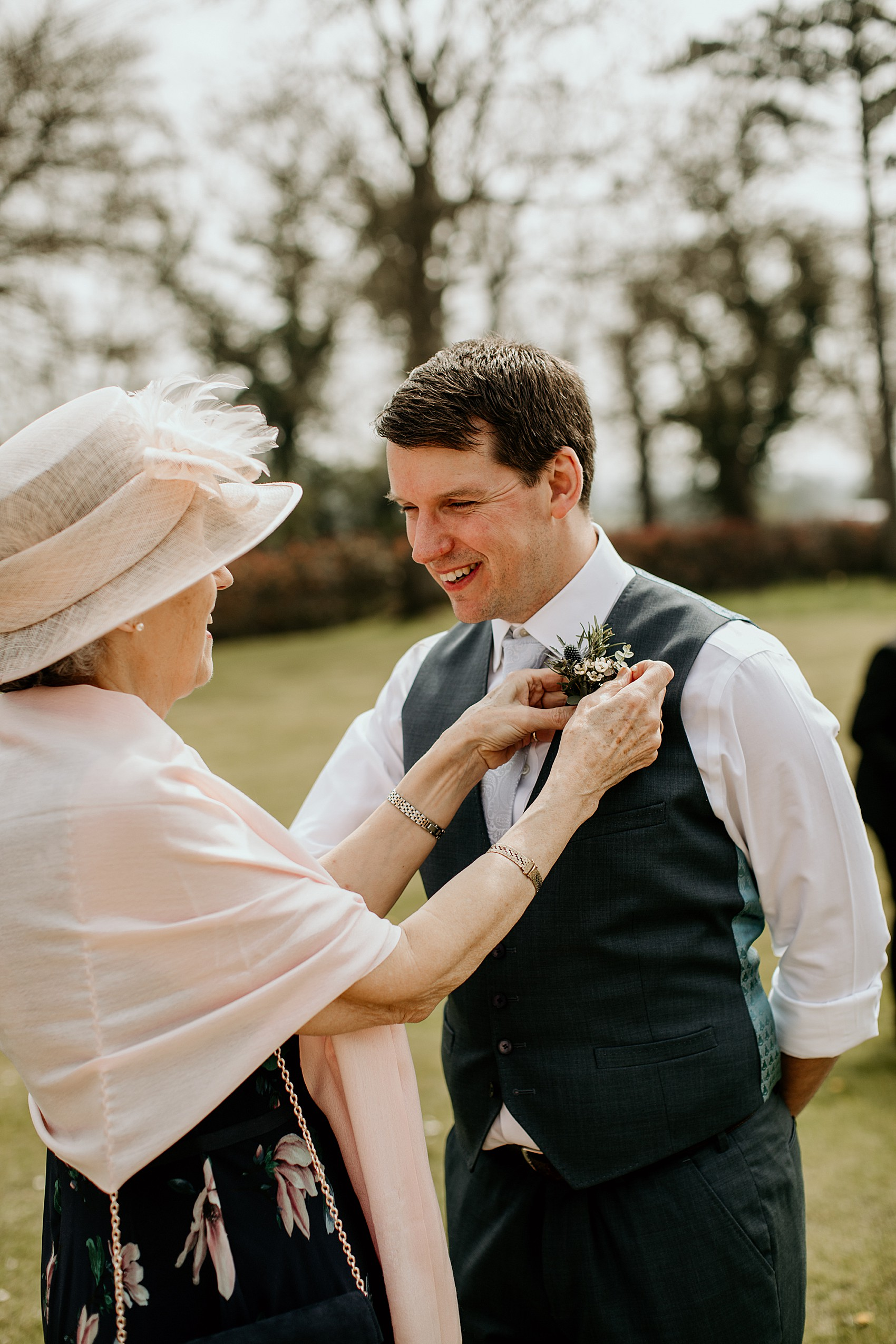 Ani James Red Light Central a tinder wedding couple + their delightful cotswolds country